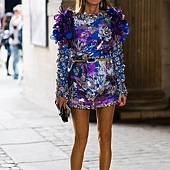 anna-dello-russo-outside-the-louis-vuitton-show-191009-2