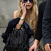 amazing-purse-ashley-blonde-celebrity-cool-Favim_com-350267