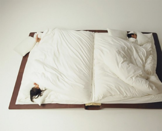 funny-book-bed-not-to-forget-about-reading-2-554x448