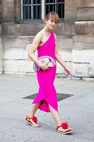VikaGazinskaya_V_7jul11_CandiceLake_b_320x480Lanvin flats and a Stella McCartney bag