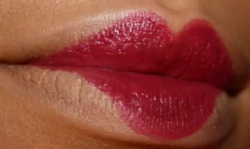 draft_lens11851061module123102201photo_1285891798cupids-bow-lips.png