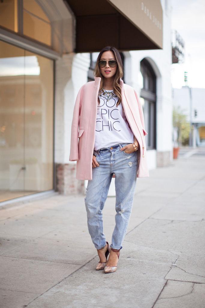 song-of-style-pink-coat-boyfriend-jeans.jpg