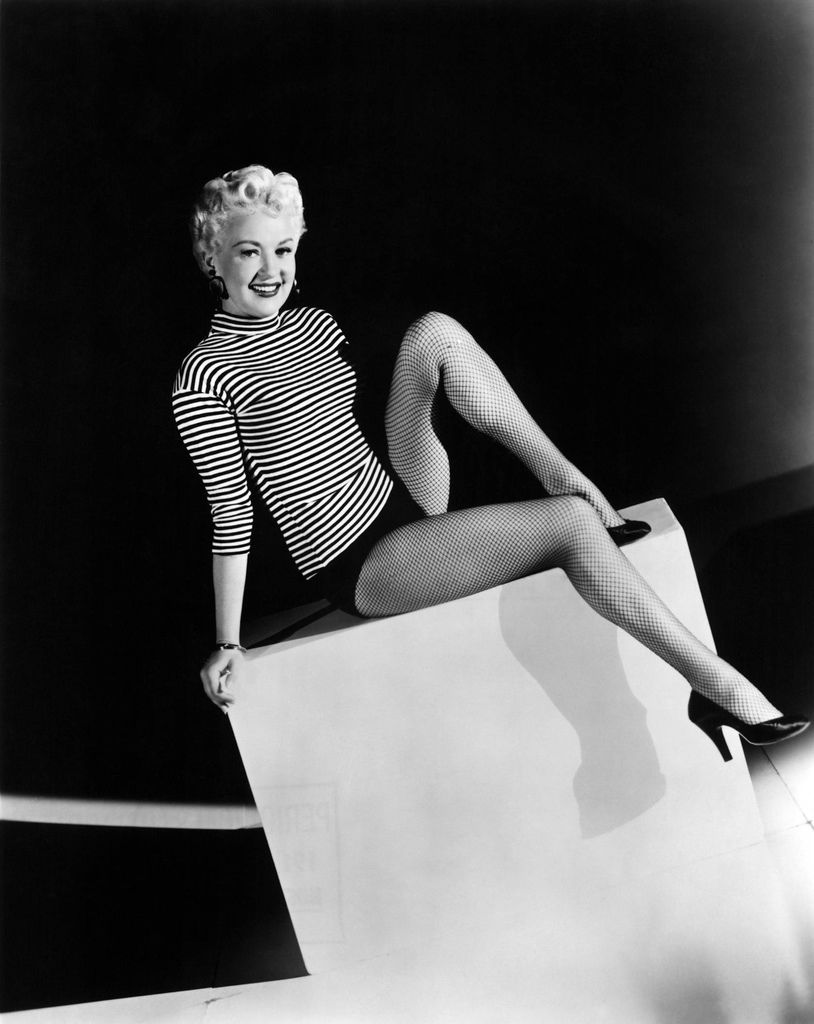 001-betty-grable-theredlist.jpg