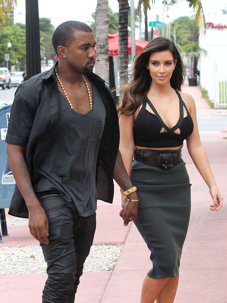 KIM-KARDASHIAN-and-Kanye-West-Out-Dinner-in-Miami-17.jpg