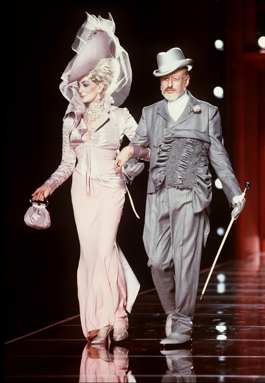 christian-dior-fall-2000-haute-couture-5.jpg