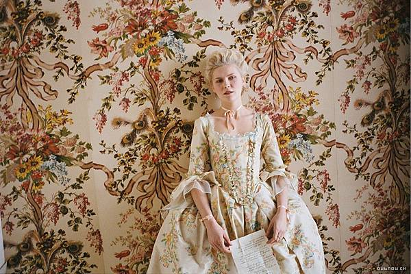 marie_antoinette_screen2_large.jpg