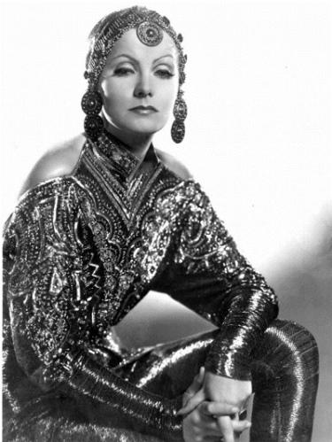 Greta-Garbo-Mata-Hari-Gilbert-Adrian.jpg