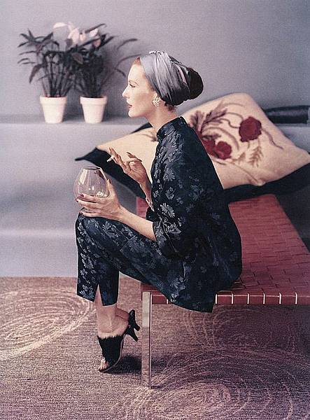 11_+mary+jane+russell+chinese+pjs+vogue+1953.jpg