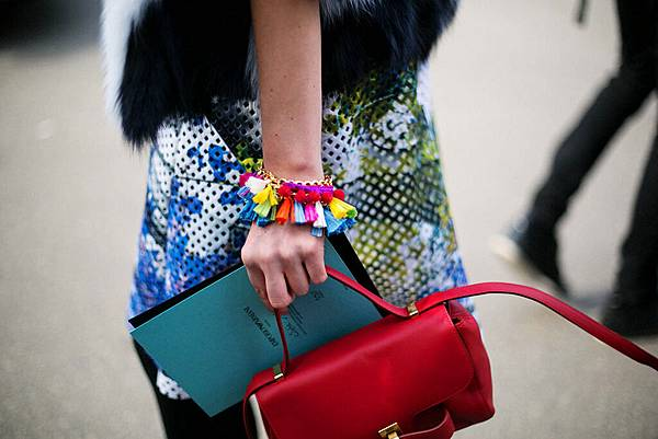 hottest-accessories-of-fashion-weeks-16.jpg