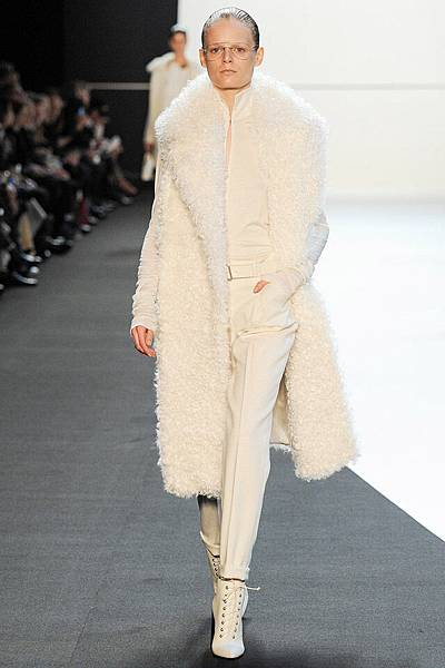 m-041414_Fall_2014_Trend_Report_shearling_slide_13.jpg
