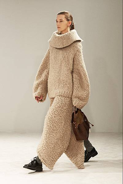 m-041414_Fall_2014_Trend_Report_sweater_slide_07.jpg