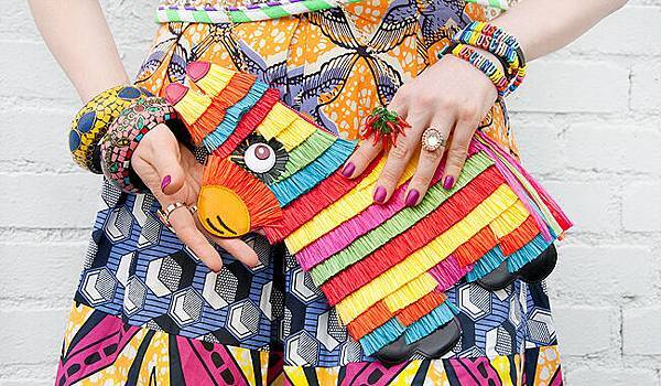 saraisinlovewith_charlotteolympia_pinata_clutch_handbag_mexican_celiab_blogger_fashion.jpg