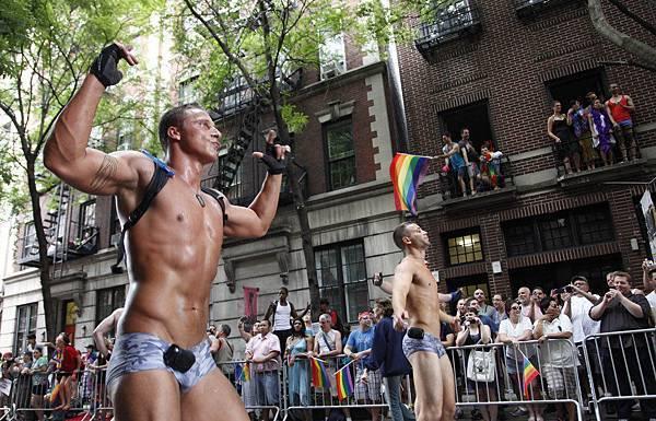 gay_pride_ny_13.jpg