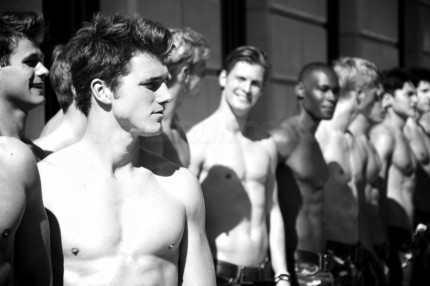 abercrombie-fitch-paris-story-opening-shirtless-models-05122011-01-430x286.jpg