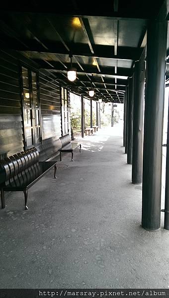 D2-06 由布院站內.jpg