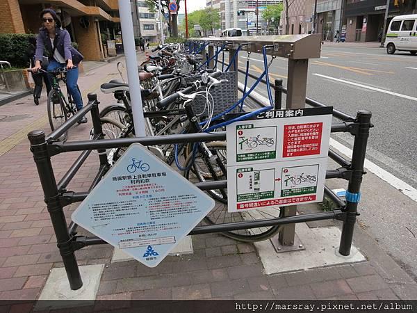 D3-04日本路邊腳踏車停放區.JPG