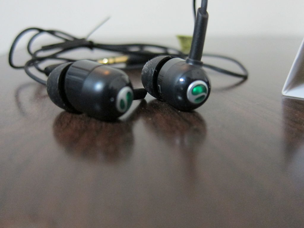 開箱 sonyericsson藍芽耳機 讓音樂無限暢遊