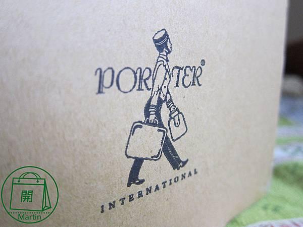 Porter復刻直式錢包,簡約、耐用、功能