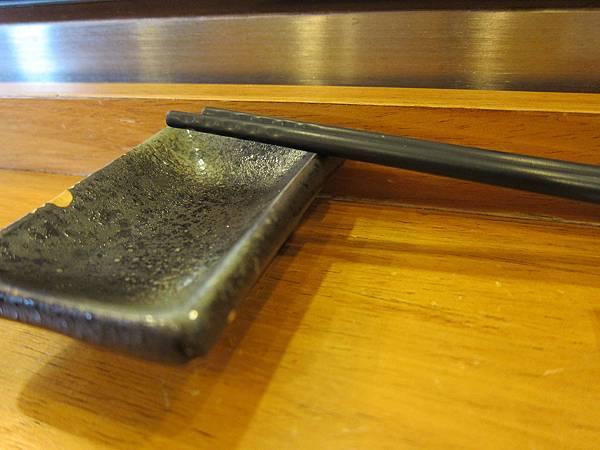 筷子與醬油皿