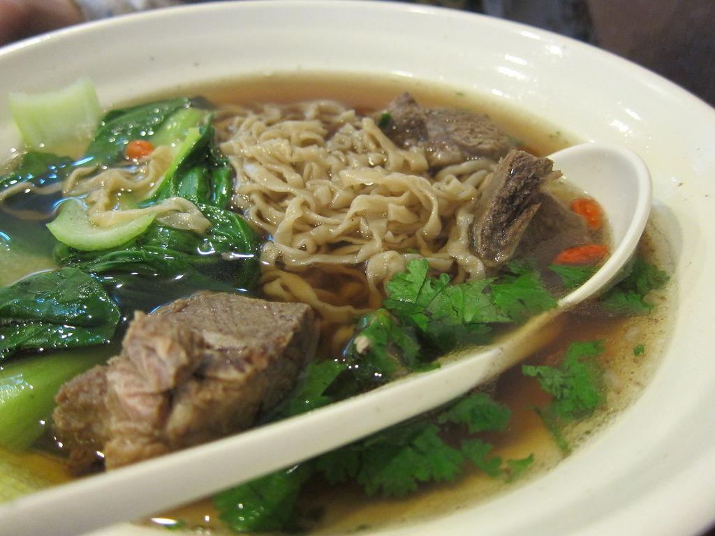 食記 高雄 新加坡肉骨茶麵