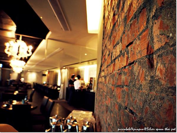 3紅磚牆.JPG