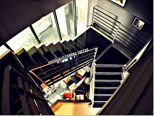 25樓梯間1.JPG