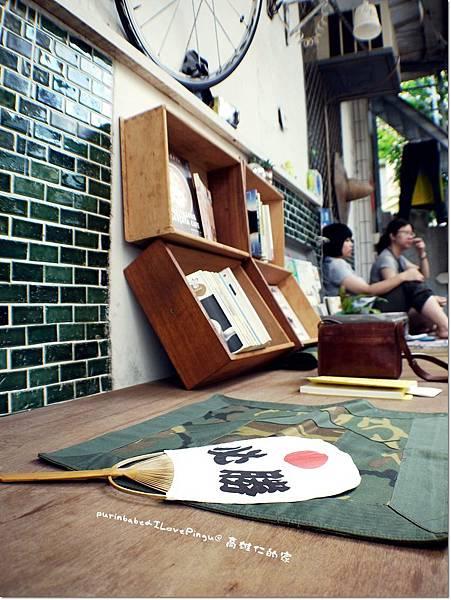 4長木椅.JPG