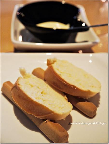 18牛奶麵包牛奶棒.JPG