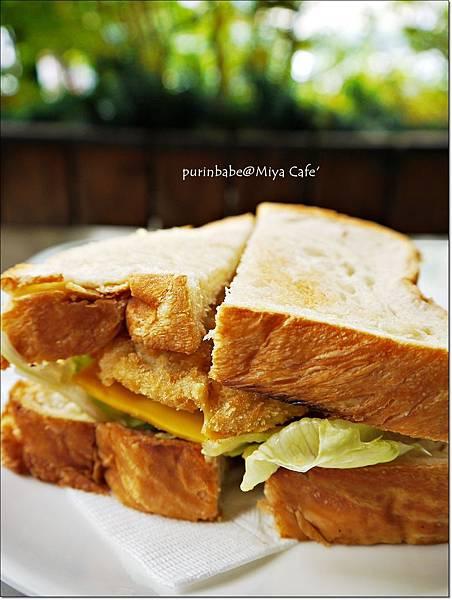 9起司豬排三明治.JPG