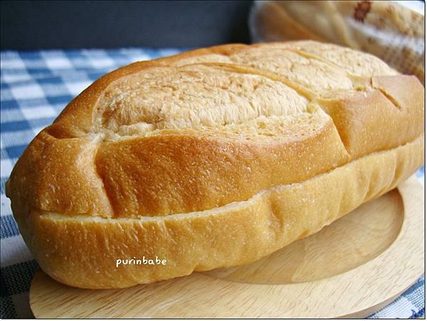 2維也納牛奶麵包.JPG