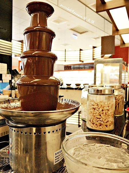 26巧克力噴泉.JPG
