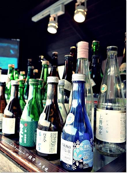 12酒瓶.JPG
