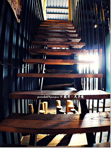 17階梯.JPG