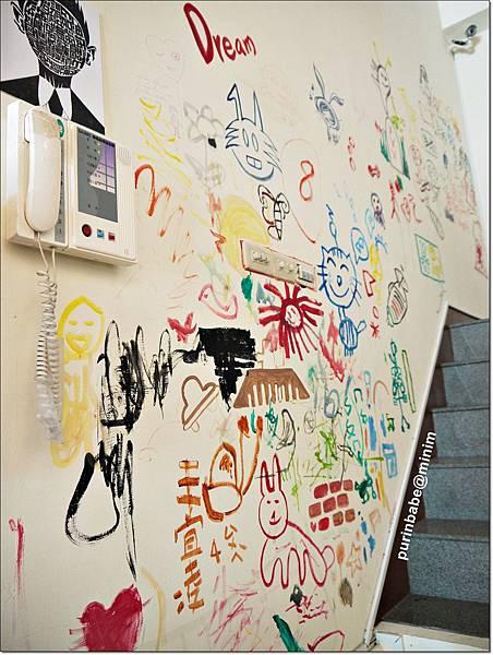 15塗鴉牆.JPG