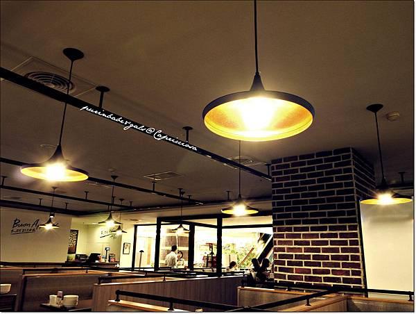 6Beat Light.JPG