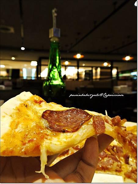21卡布里喬莎主廚披薩2.JPG