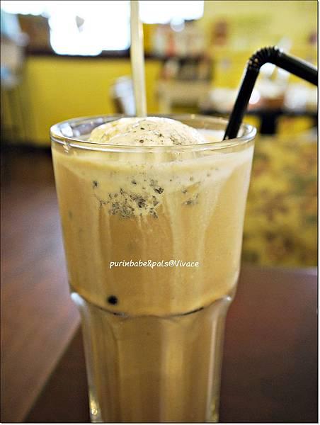 27漂浮冰咖啡.JPG