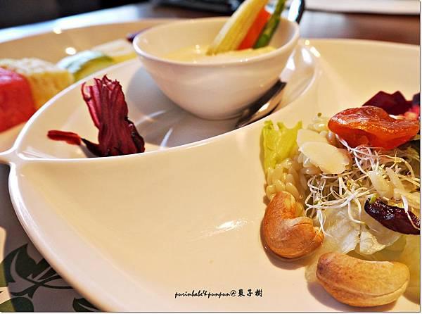 24水果優格堅果沙拉.JPG