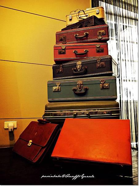 6行李箱1.JPG