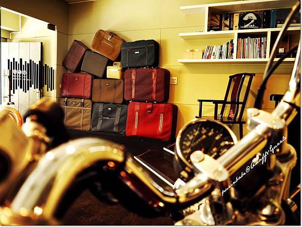 7行李箱2.JPG