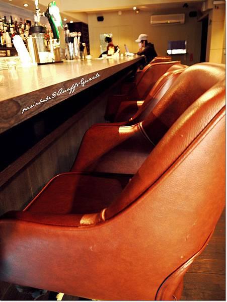 11吧台皮椅.JPG