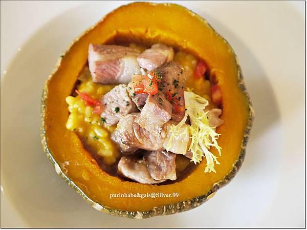 25托斯卡尼南瓜極黑豚燉飯2.JPG