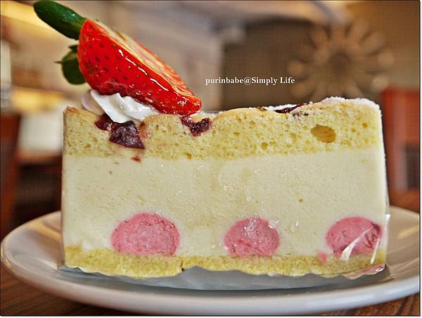 27草莓優格慕斯蛋糕.JPG