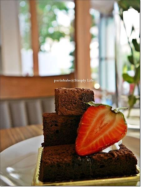 24草莓巧克力蛋糕.JPG