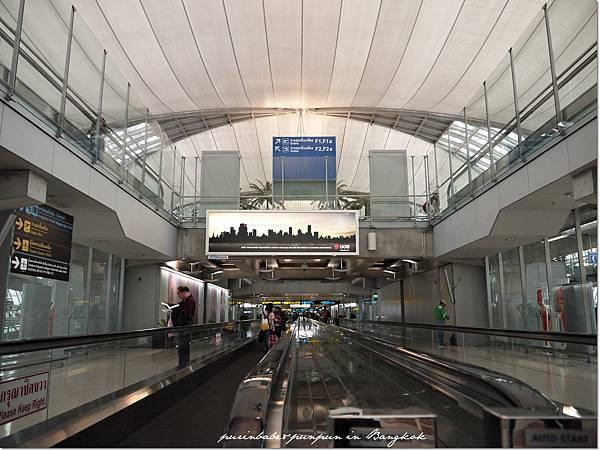 8蘇凡納布機場.JPG