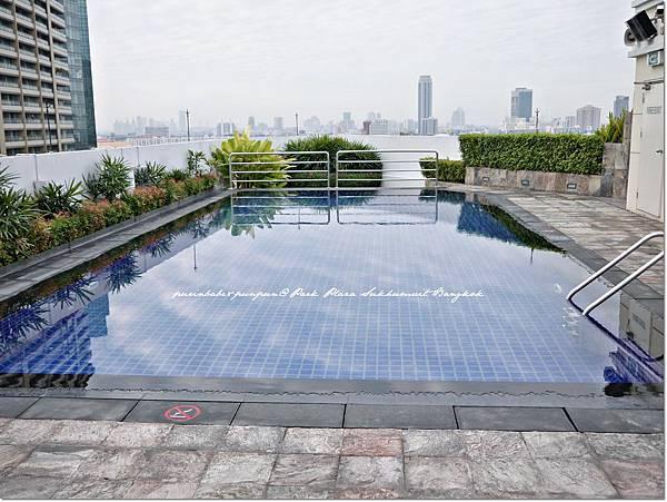 32游泳池2.JPG