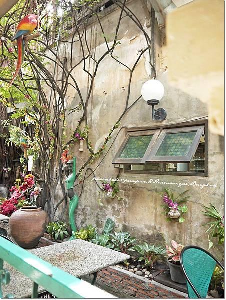 10花園裝飾.JPG