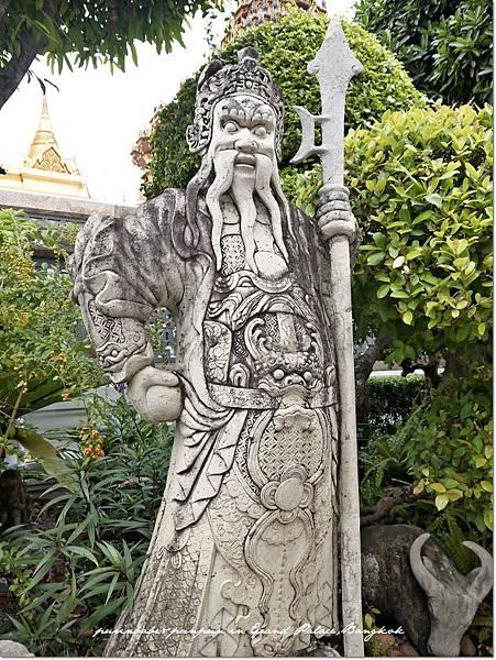 41中式雕像.JPG