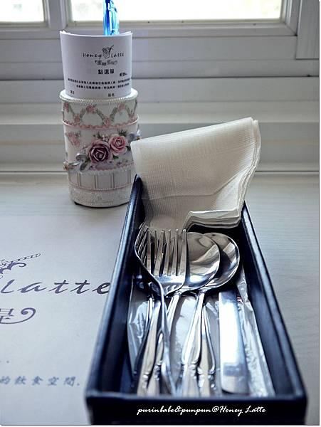 20餐具盒.JPG