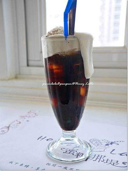 29魔幻漂浮冰咖啡1.JPG